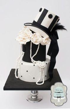 Burlesque, beautiful, elegant cake by @miraquetarta