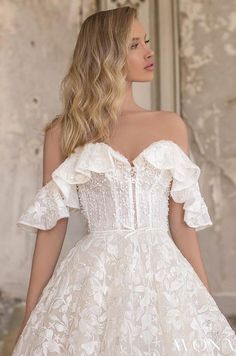 WONÁ Wedding Dresses and Evening Gowns 2020 - Belle The Magazine A Line Bridal Gowns, Lace Ball Gowns, Ball Dresses, Bridal Dresses, Dresses With Sleeves, Lace Sleeves, Top Wedding Dress Designers, Stunning Wedding Dresses, Lace Wedding