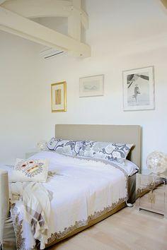 Maria Killam in Small Room Decorating Magazine   Primitive Home ...
