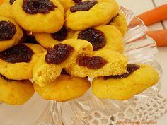 Ciasteczka marchewkowo-pomarańczowe z marmoladą.
