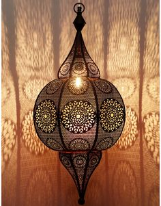 Oriental lamps that improve your quality of life - Decoration Top Marocco Interior, Bohemian Lamp, Outdoor Wall Lamps, Marrakech, Lantern Designs, Black Lamps, Candle Lanterns, Living Room Inspiration, Creative Home