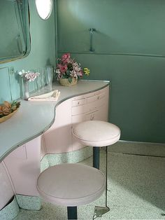 photo - Ladies Dressing Room on a Solent Flying Boat