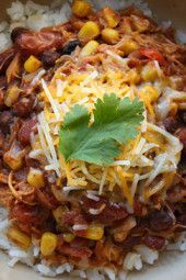 This crockpot chicken taco chili is one of my most popular recipes! The perfect slow cooker dish because you just dump all the ingredients in, turn it on and come back to the best tasting meal! No prep, super easy, freezes well and the kids love it! Chili Recipes, Slow Cooker Recipes, Crockpot Recipes, Cooking Recipes, Healthy Recipes, Cooking Chili, Ww Recipes, Recipies, Candida Recipes