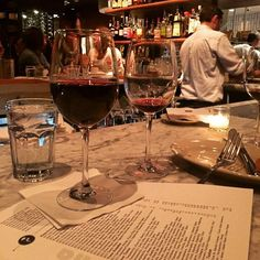 It's Saturday night. Time for a glass of wine. Or two... #barcelonawinebar