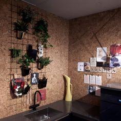 Korkvegg fra WALL-IT på Showroom på Lillehammer Lillehammer, Garage Studio, Showroom, Home Office, Wall, Rome, Home Offices, Walls, Office Home