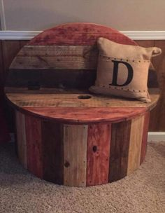 The best DIY projects & DIY ideas and tutorials: sewing, paper craft, DIY. DIY Furniture Plans & Tutorials : Marvelous Diy Recycled Wooden Spool Furniture Ideas For Your Home No 68 -Read Spool Crafts, Pallet Crafts, Diy Pallet Projects, Wood Projects, Pallet Ideas, Outdoor Projects, Diy Pallet Furniture, Furniture Plans, Home Furniture