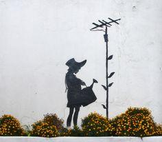 Google Image Result for http://viuu.co.uk/blog/wp-content/uploads/banksy-graffiti-watercan-girl-3.jpg