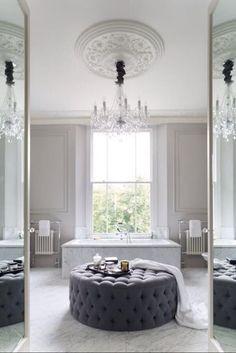 Marmorfliesen sind in ihrer Wirkung meist dezent und warm, gleichzeitig schaffen sie ein elegantes, hochwertiges Flair in den Wohnräumen.   http://www.werk3-cs.de/marmor-fliesen