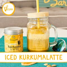 ICED KURKUMA LATTE: The trendy drink, mixed with vanilla ice cream makes every iced coffee the place! Smoothie Prep, Smoothie Drinks, Smoothie Bowl, Smoothies, Vanilla Ice Cream, Coconut Cream, Party Finger Foods, Coffee Latte, Drink
