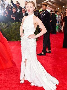 Celebrity Looks - Amanda Seyfried at the 2015 Met Gala in New York City