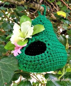 Life Away From The Office Chair: Crochet Bird Nest