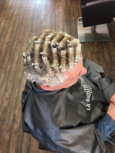 Hair Curlers Rollers, 60s Hair, Perm Rods, Hair Setting, Roller Set, Curls, Hair Beauty, Beautiful Women, Dreadlocks