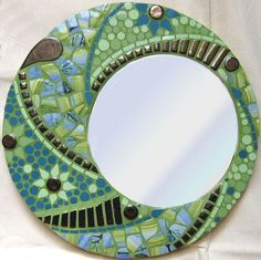 Green mosaic border with mirror set off center. Mosaic Artwork, Mirror Mosaic, Mirror Art, Mosaic Wall, Mosaic Glass, Mosaic Tiles, Glass Art, Stained Glass, Fused Glass
