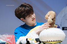 Check out Stray Kids @ Iomoio Stray Kids Seungmin, Hip Hop Songs, Baby Dinosaurs, Fandom, Kids Wallpaper, Latest Albums, Extended Play, Lee Know, Korean Boy Bands