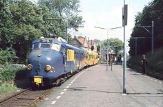 Mat '54 - Art train Treinstel 363 als Kunsttrein te Overveen; 1993.