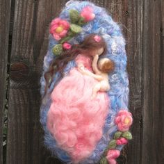 Needle felted sculptural wool painting tm My Mother's Face wool fairy mommy with baby pink coral blue Waldorf Inspired by Rebecca Varon Nushkie Design wm 3 Needle felted Mother and Child Felt Pictures, Needle Felting Tutorials, Donia, Felt Fairy, Wool Art, Nuno Felting, Fairy Dolls, Felt Toys, Felt Crafts