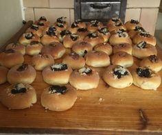 Nejlepší moravské koláče pod sluncem ! Jako od babičky.Vydrží krásně měkkoučké celé dny – mujrecept Bagel, Food And Drink, Bread, Dishes, Kitchen, Basket, Cooking, Brot, Tablewares