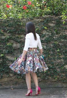 Blog Caca Dorceles. 2014. Meu look: Saia Rodada. Blouse Zara + Tigresse skirt + Schutz sandals + Laura Lima clutch.