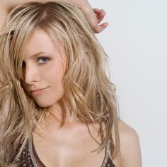 All our Kristen Bell Pictures, Full Sized in an Infinite Scroll. Kristen Bell has an average Hotness Rating of between (based on their top 20 pictures) Kristen Bell, Jennifer Lawrence, Divas, Side Swept Bangs, Sexy Women, Kirsten Dunst, Long Layered Hair, Blonde Women, Hot Blondes