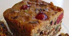 Nut fruit cake Ingredienti: 170 g di farina 00 110 g di zucchero semolato 10 g di lievito per dolci 4 uova 1 bustina di vanillina 450 g ...
