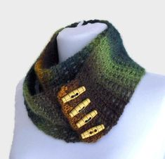 Items similar to Fashion Crochet Infinity Scarf, Scarf For Women, christmas gift, brown and green on Etsy Sombrero A Crochet, Crochet Shawl, Womens Scarves, Christmas Gifts, Knitting, Infinity, Brown, Womens Fashion, Collar