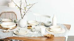 Dec-table-setting-white-neutral