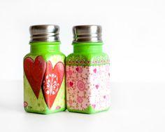 Love Shakers, Flowers and Hearts, Green, Pink and Red Kitchen Set, Salt Pepper Shakers, Hostess gift / Table Decor
