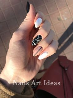 Semi-permanent varnish, false nails, patches: which manicure to choose? - My Nails Nail Manicure, Diy Nails, Nail Polish, Nail Jewels, Cute Acrylic Nails, Perfect Nails, White Nails, Pink Nail, Black Nails
