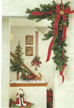corner garland for a doorway:  dresses it right up!  Country Woman magazine