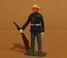 VINTAGE BRITAINS LEAD TOY SOLDIER ARMY OFFICER - 100% ORIGINAL FIGURE - Q 589 IN THIS SALE: VINTAGE BRITAINS LEAD TOY SOLDIER ARMY OFFICER - 100% ORIGINAL FIGURE  MAKE IS BRITIANS