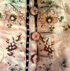 18th Century Embroidered Silk Man's Waistcoat | Flickr: partage de photos!