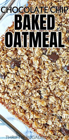 This Chocolate Chip Baked Oatmeal is super easy to make and will provide you with a delicious healthy breakfast. Best Breakfast Recipes, Savory Breakfast, Make Ahead Breakfast, Easy Healthy Breakfast, Snack Recipes, Brunch Recipes, Yummy Recipes, Snacks, Easy Smoothies