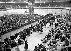 Les 16 et 17 juillet 1942, 13152 Juifs étrangers réfugiés en France étaient arrêtés à Paris par la police française, dont 8160 enfermés au Vélodrome d'hiver, près de la Seine (XVe), lors de la plus grande rafle de Juifs en France pendant l'Occupation.
