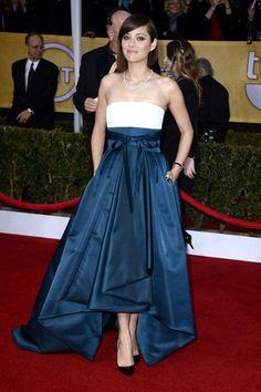 Marion Cotillard at the #SAG Awards 2013 wearing a Dior gown. Mi favorita de la noche, pero puedo atreverse más con los zapatos...