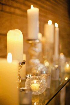 ...I love white candles i have them around my house , those are beautiful .