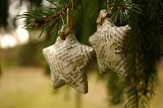 Star Ornament- Set of 2 Book Page Wrapped Star Ornaments, Modern Christmas, Book… Homemade Christmas Tree, Christmas Ornament Crafts, Star Ornament, Christmas Star, Christmas Books, Modern Christmas, Christmas Ideas, Diy Ornaments, Christmas Goodies