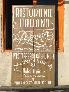 tipografía, lettering, food, ilustration, signpainting, pintado a mano, rotulismo, pizarra, menu, madera, wood, vintage