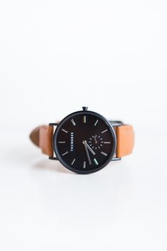 wowww!!!The Horse Classic Leather Watch