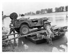 Jeep pontoon transport