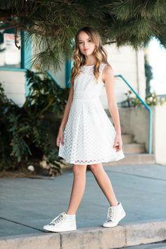 Kristina Pimenova Source by Stylish Kids Fashion, Girls Fashion Clothes, Tween Fashion, Girl Fashion, Fashion Dresses, Teenage Clothing, Girl Clothing, Style Fashion, Teenage Girl Outfits