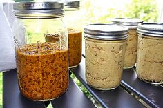 Homemade Mustard - Really? You can make mustard at home? It's incredibly easy and nothing else will quite compare. Homemade Horseradish, Horseradish Recipes, Food Swap, A Food, Canning Water, Homemade Mustard, Mustard Recipe, Pretzel Dip, Ground Turmeric