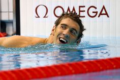 Michael Phelps celebrates setting the all-time Olympic record with his 19th medal (Getty Images)