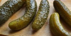 poop bowel changes keto diet – pickles on a cutting board Can Dogs Eat Pickles, Pesto, Making Dill Pickles, Pickling Cucumbers, Dog Eating, No Cook Meals, I Foods, Food Print, Homemade