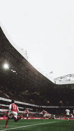 Alexis Sanchez.  Arsenal.  Lock screen.