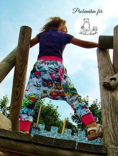 Das kostenlose Schnittmuster für die Pumphose PUMP-LEG von LieLie's Pumpbär gibt es in den Größen 74, 80, 86, 92, 98, 104, 110, 115, 122, 128, 134 und 140.
