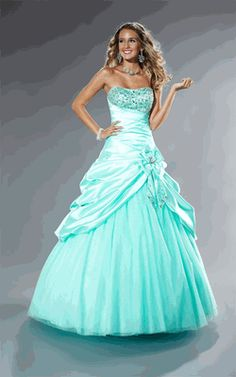 I love the beaded bodice on this ballgown!