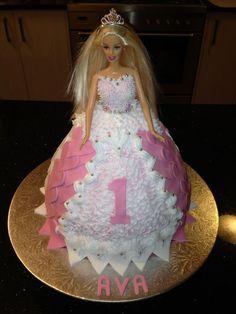 Barbie Cake Barbie Theme, Barbie Cake, Barbie Birthday, Barbie Party, Birthday Cakes, Birthday Ideas, Barbie Princess, Princess Cakes, Cupcake Cakes
