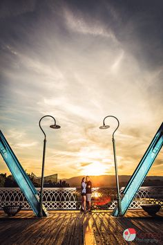 Awesome sunset Urban/Downtown Engagement session! Chattanooga, TN Photography by: https://www.facebook.com/KenneyPhoto