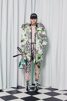 16078959e52 Versus Versace Fall 2018 Ready-to-Wear Fashion Show