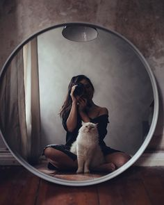 Uploaded by Romana. Find images and videos about girl, photography and cat on We… – Spiegel Girl Photography Poses, Creative Photography, Kreative Portraits, Cool Pictures, Beautiful Pictures, Poses Photo, Photo Pic, Photoshoot Inspiration, Girl Photos